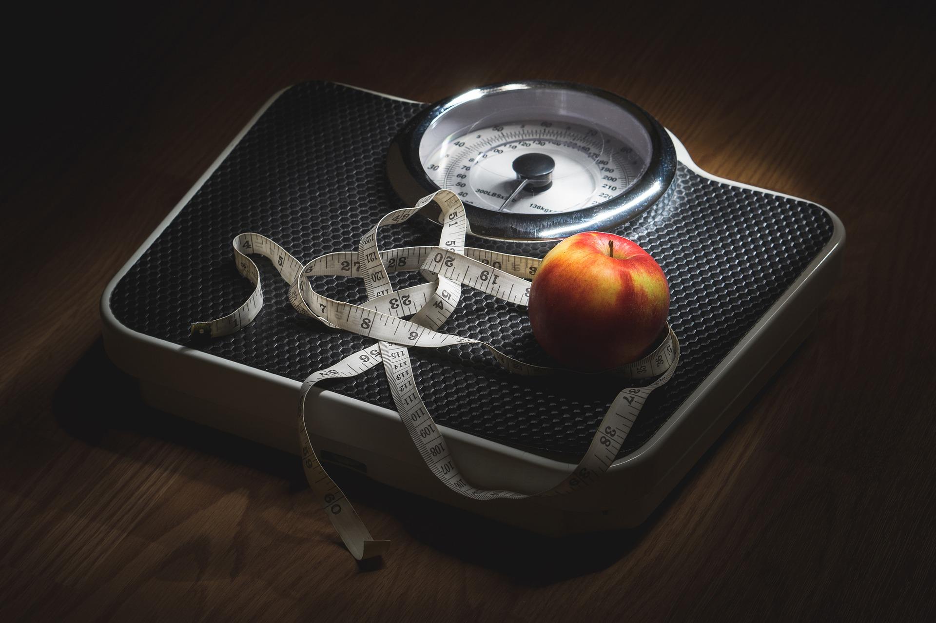 Otyłość i nadwaga jako czynniki nietrzymania moczu u kobiet